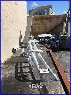 Aluminum Radar Arch With Fishing Rod Holders & Outrigger Mounts