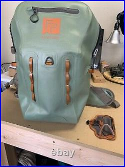 FISHPOND THUNDERHEAD SUBMERSIBLE BACKPACK With Quick shot Rod Holder